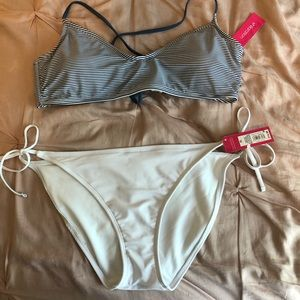 Target Swim Adjustable Back Too & Bottom Set